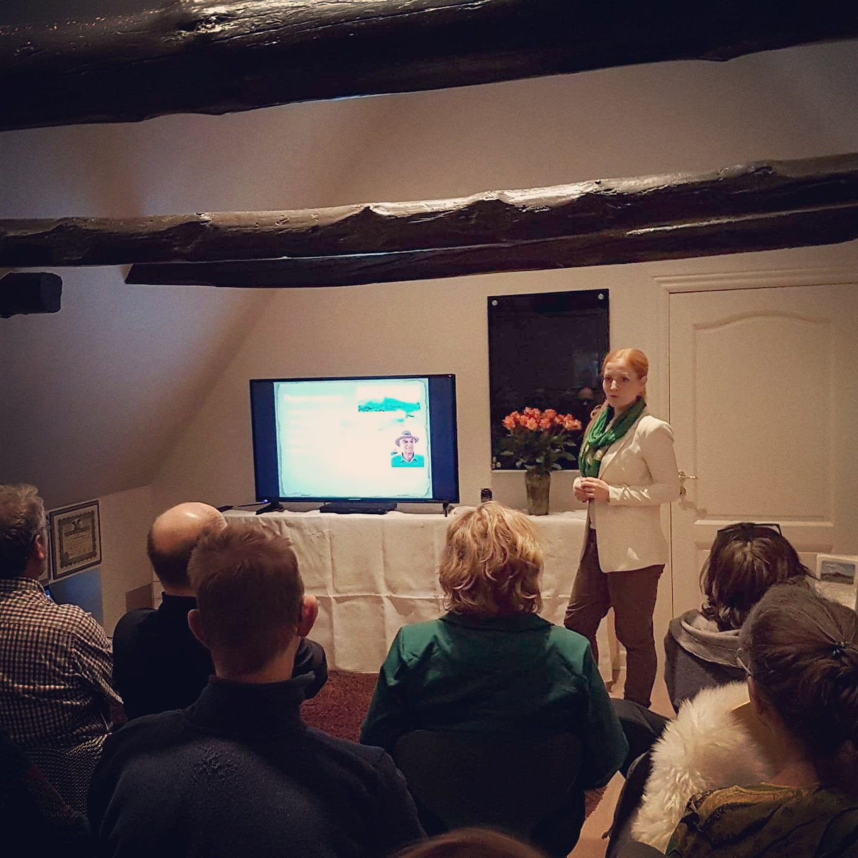 Foredraget Mysteriet om De Bosniske Pyramider ved antropolog og ny tids shaman Rie Jespersen